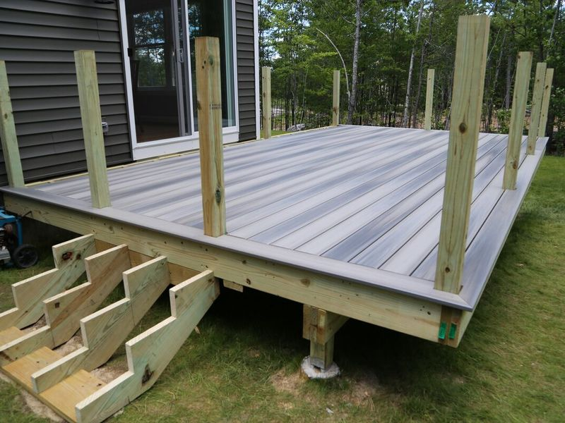 While it would be nice to think that the building of your dream deck will be a breeze, that's not always the case. Unfortunately, many homeowners run into unexpected bumps...